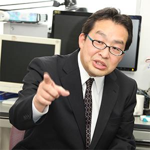 小林一行 教授