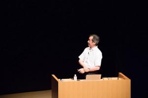 講演中の梶田先生