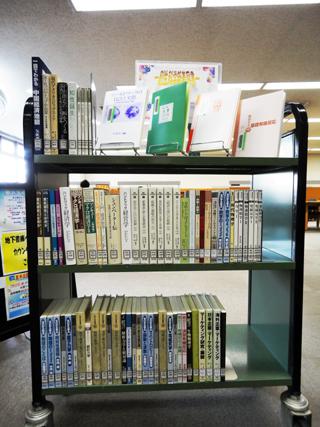 小金井図書館に新着